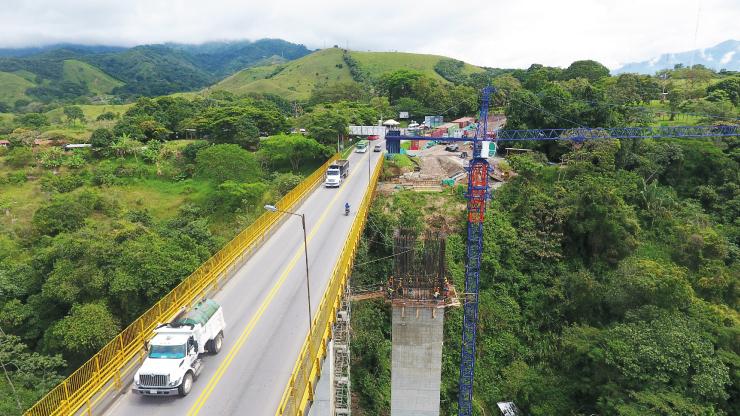 Con la construcción de 11 puentes, avanzan las obras en Autopista Girardot - Ibagué - Cajamarca