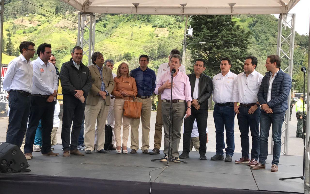 Con la presencia del presidente Santos, se firmó contrato de la Autopista 4G Cúcuta - Pamplona