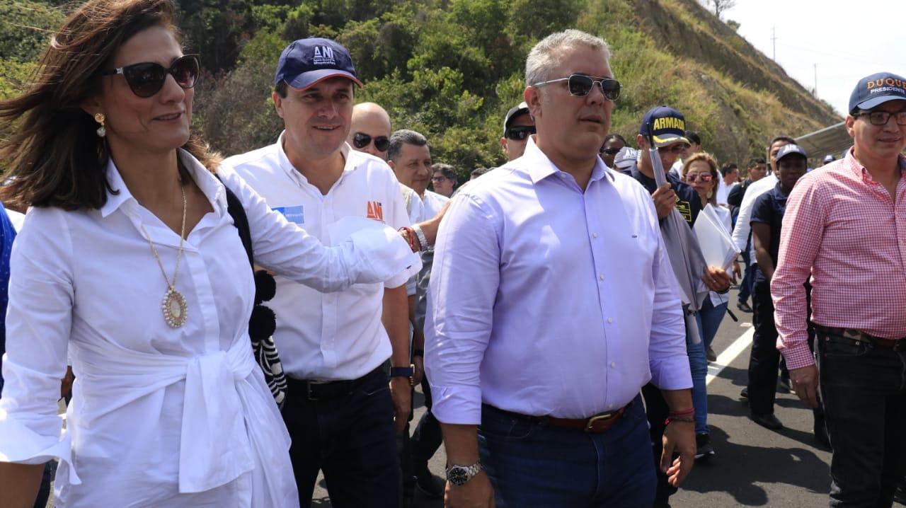 Presidente Iván Duque pone al servicio nuevo viaducto y segunda calzada en variante Gualanday, en el Tolima