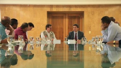Gobernación de Antioquia, alcaldes de Urabá y Agencia Nacional de Infraestructura firman acuerdo para instalación de peajes