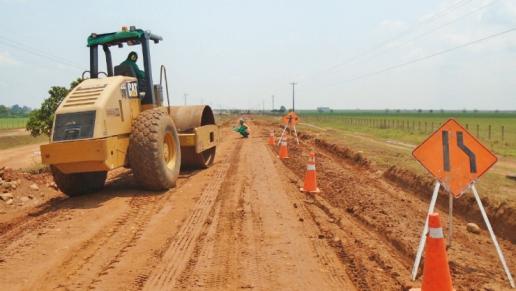 Continúan obras de mejoramiento en la vía Puerto Gaitán - Puente Arimena