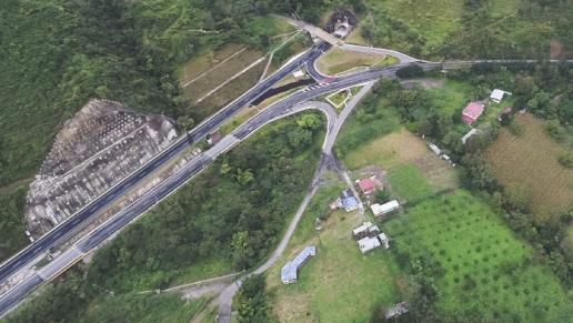 Gobierno inaugura cuatro túneles y 16 puentes entre Bogotá-Villavicencio