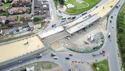 Construcción del enlace a desnivel en la glorieta Mosquera - La Mesa cuenta con un avance del 90%