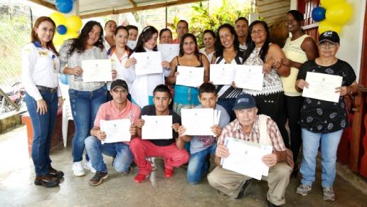 211 personas se gradúan del Plan Integral de Capacitaciones a las Comunidades de la ANI a través de la Autopista Río Magdalena
