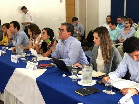 ANI explicó a parlamentarios y gremios del Valle del Cauca el alcance del proyecto de APP Aeropuertos del Suroccidente