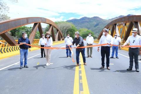 Gobierno Nacional entrega 89 km de vía rehabilitada entre Aipe (Huila) y Saldaña (Tolima)
