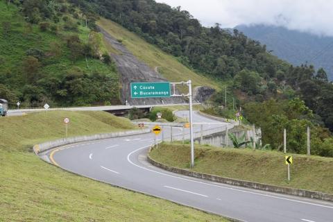 Vía Bucaramanga – Pamplona avanza en las obras de acuerdo con el cronograma definido