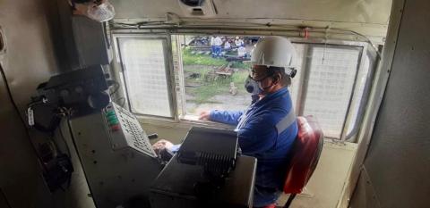 Mendoza, uno de los maquinistas de la ANI que transporta sueños y emprendimientos con su trabajo en las vías férreas