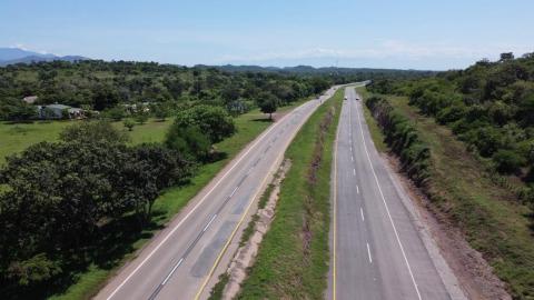 Llegan al mercado canadiense 19 toneladas de piña colombiana,  gracias a vías y puertos concesionados