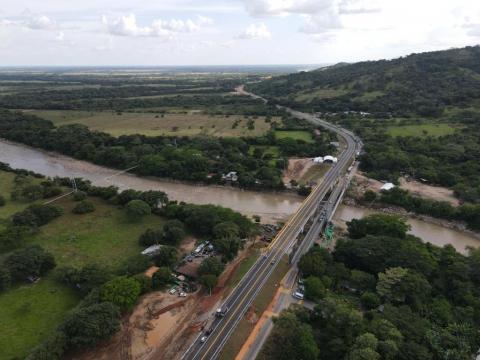 En época de cosecha, más de 800 mil toneladas de arroz se movilizaron por el nuevo Puente Chárte