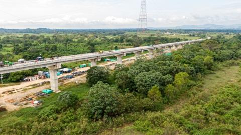 El nuevo puente que conectará Antioquia con Santander ya registra un 97,5% de avance