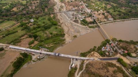Se unen los frentes de obra del puente sobre el río Cauca, en el proyecto Autopista al Mar 1