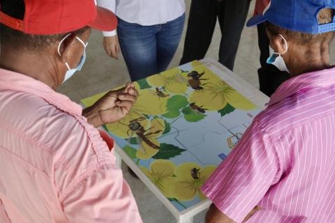 Gracias al proyecto Cartagena-Barranquilla y Circunvalar de la Prosperidad, campesinos del Atlántico ven en el cultivo y cuidado de abejas una alternativa de ingresos