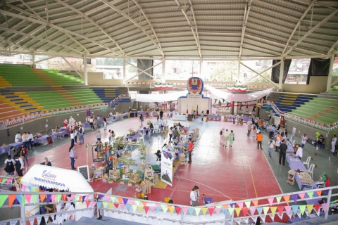 Mercados campesinos en Silvania promueven el emprendimiento y la reactivación de la economía en la región