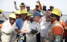 A toda marcha se levanta viaducto de Ciénaga de la Virgen: Presidente Santos fundió última losa de la megaestructura