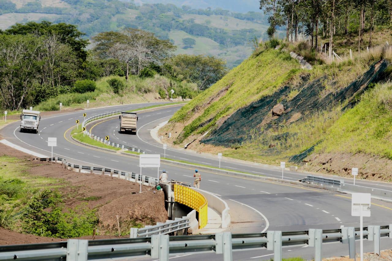 Gobierno Nacional entrega obras del proyecto Pacífico 2 en La Pintada, Antioquia