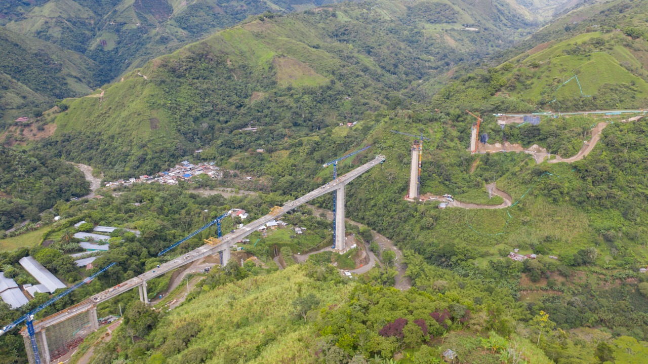 En 80% avanza construcción del puente en el corregimiento Coello – Cocora, uno de los más largos del corredor Girardot – Ibagué – Cajamarca