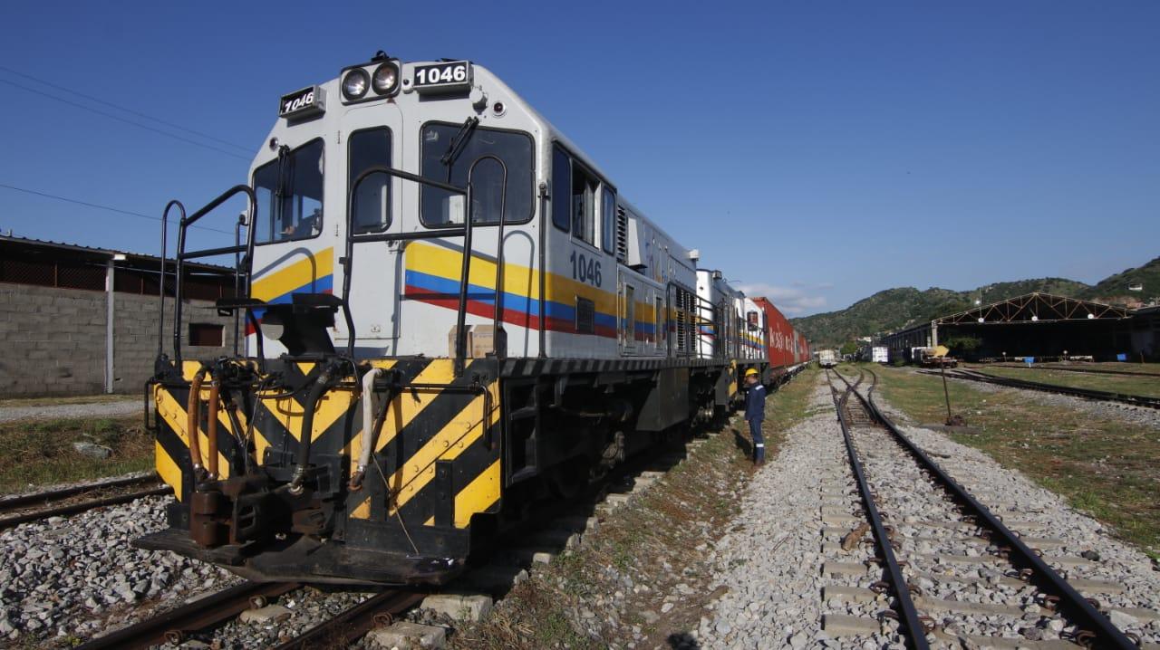 Inició la operación regular del Tren Santa Marta - La Dorada con carga de exportación