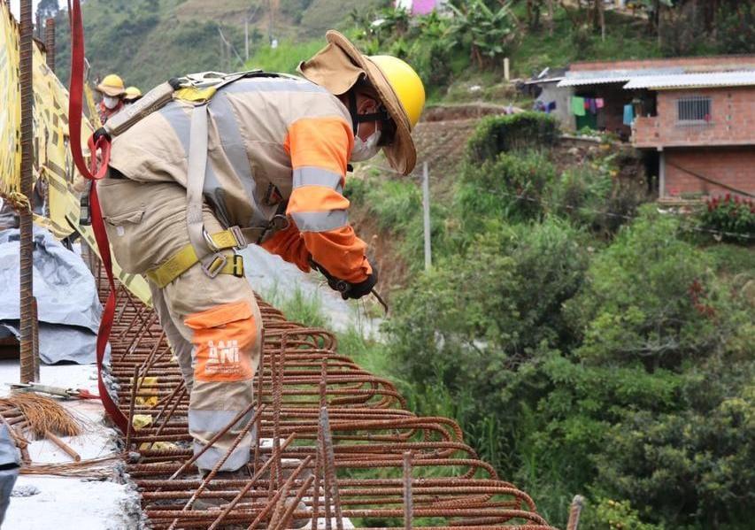 Con obras de infraestructura, el Gobierno Nacional sigue jalonando el empleo y la economía en las regiones