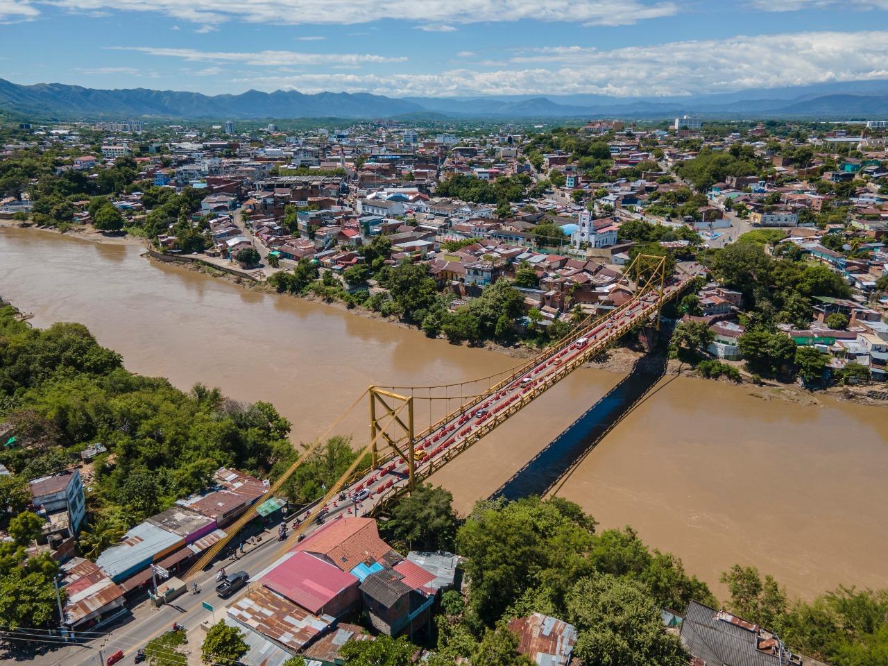 Gobierno Nacional cierra temporalmente Puente Mariano Ospina, que cruza el río Magdalena entre Girardot y Flandes, para realizar intervenciones